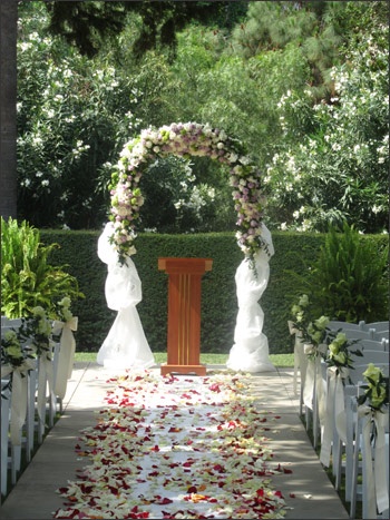 HISTORICAL LINDLEY SCOTT HOUSE WEDDING PATH
